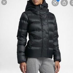 Nike Black Down Puffer Jacket With Flaws Size M